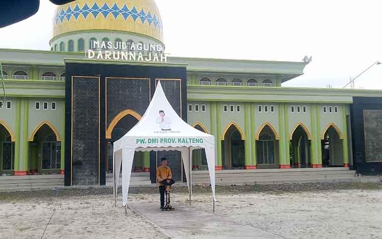 Bupati Gunung Mas, Jaya S Monong dalam kegiatan buka puasa bersama di Masjid Darun Najah.