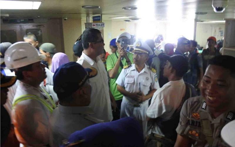 Dirjen Perhubungan Laut, Agus Pramono memantau arus mudik di Pelabuhan Sampit, Kamis, 30 Mei 2019.