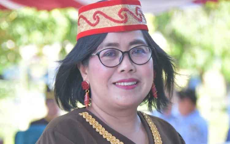 Plt Kepala Damkar dan Penyelamatan Kota Palangka Raya, Gloria Aden