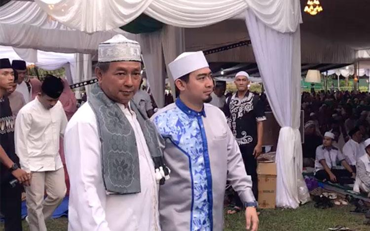 Ustaz Solmed saat hadir di acara buka puasa bersama H Abdul Rasyid AS