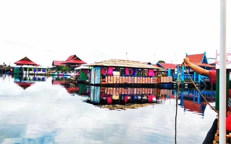 Taman wisata air hitam Kereng Bengkirai Kota Palangka Raya salah satu destinasi wisata andalan di Kalteng