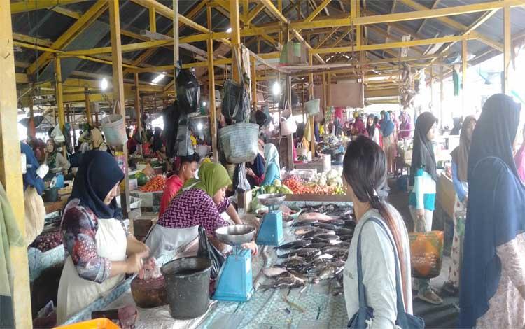 Suasana Pasar Saik menjelang lebaran Idulfitri