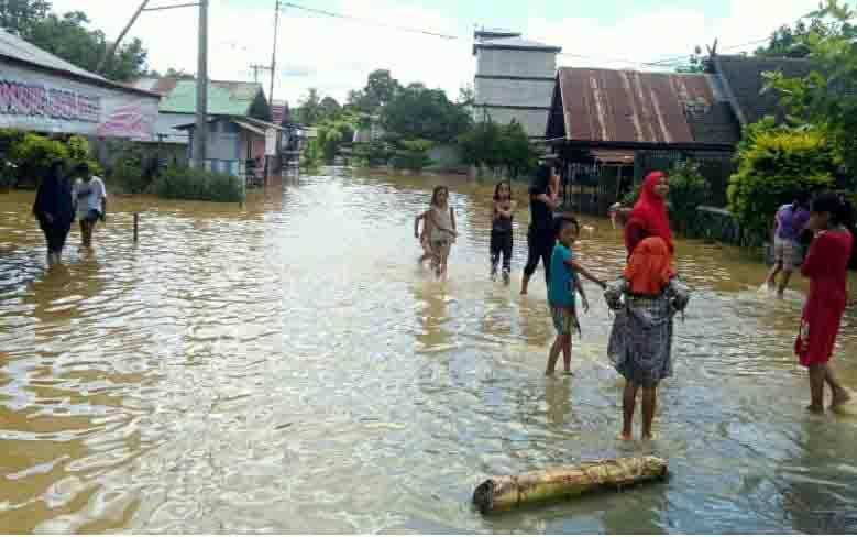 Banjir di Kecamatan Tewah, Kabupaten Gunung Mas, Rabu, 5 Juni 2019.