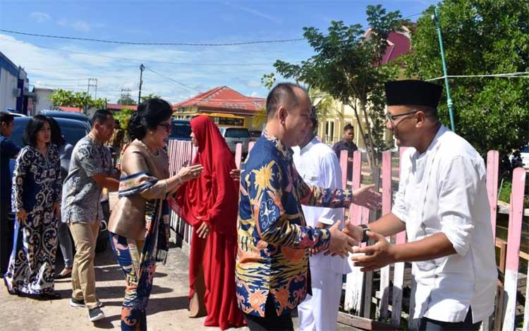 Bupati Ben Brahim S Bahat bersilaturahmi dengan Kapolres Kapuas AKBP Tejo Yuantoro, Rabu, 5 Juni 2019