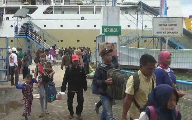 Arus balik di Pelabuhan Sampit, Minggu, 9 Juni 2019.