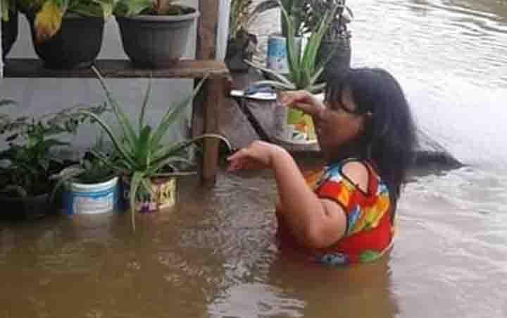Banjir di Desa Tumbang Mujam, Kecamatan Tualan Hulu.