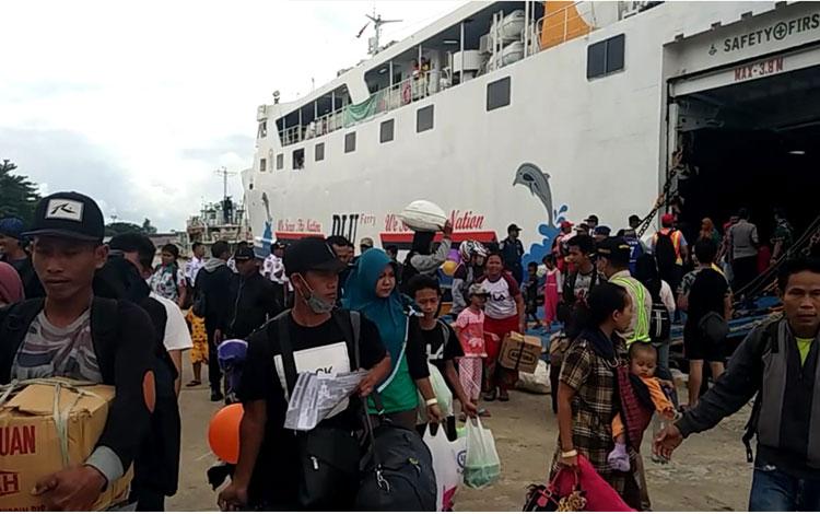 Arus balik pemudik di Pelabuhan Sampit, Senin, 10 Juni 2019