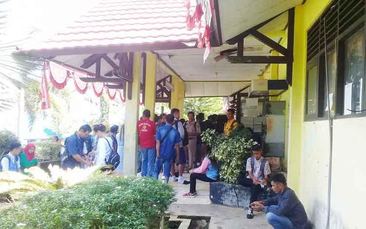para calon siswa yang akan mendaftar di SMKN 1 Muara Teweh
