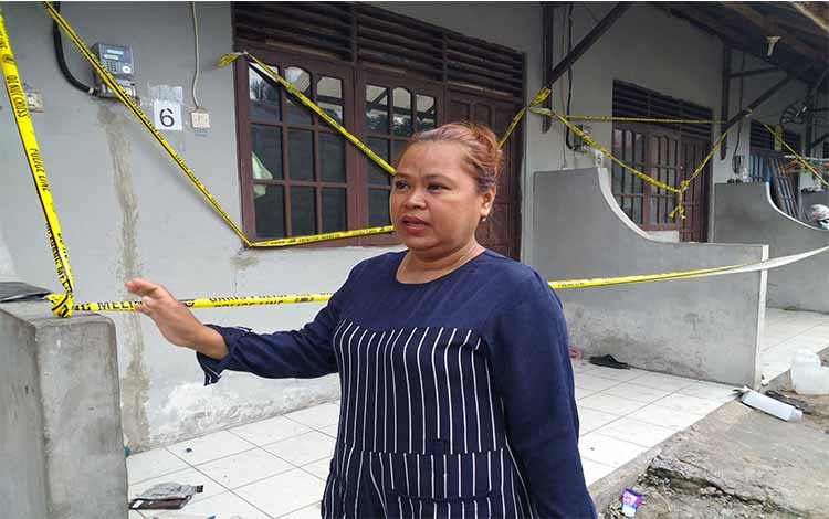Suharti, pengelola barak yang sempat dihuni oleh terduga teroris