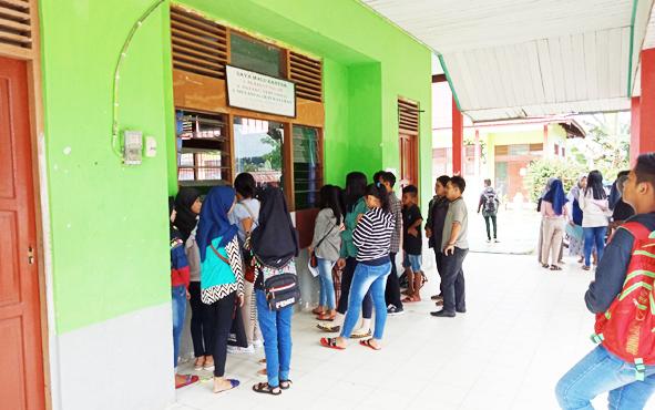 Peserta didik baru di SMAN 1 Murung, Kabupaten Murung Raya.