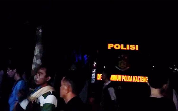Suasana penangkapan terduga teroris di Palangka Raya