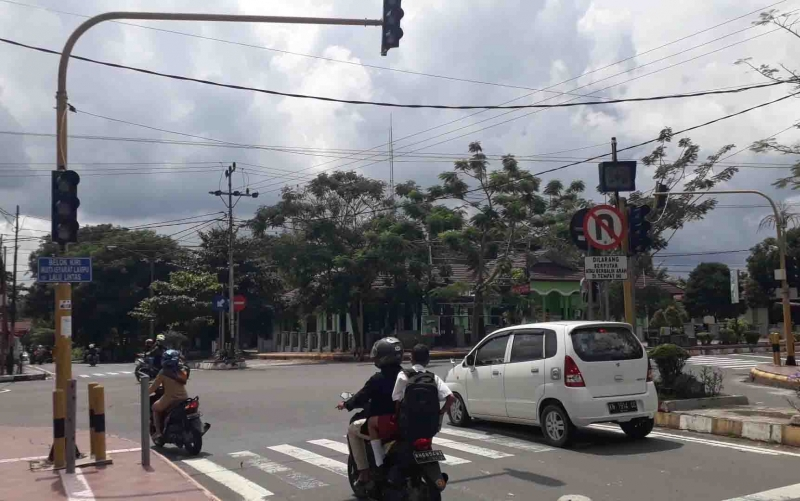 Traffic light di sekitar Stadion Sampuraga Pangkalan Bun tidak berfungsi, Rabu, 12 Juni 2019.