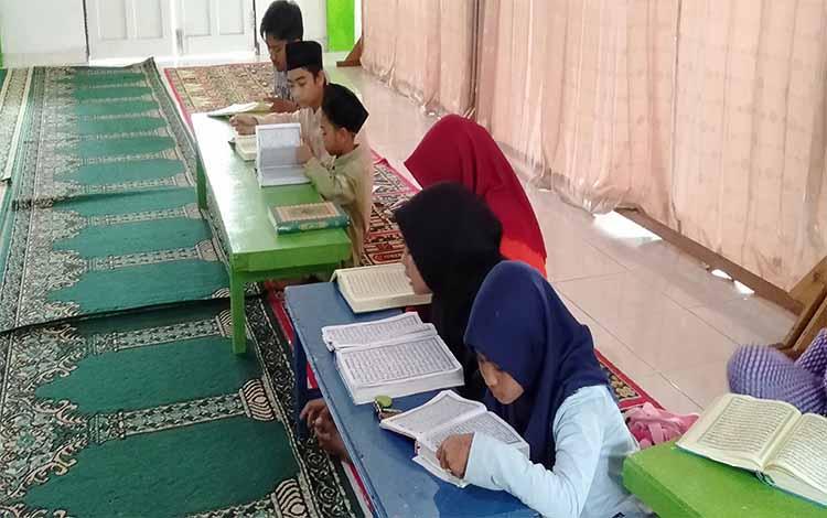 Anak-anak saat berpatisipasi dalam acara guru mengaji yang diadakan Polres Sukamara beberapa waktu lalu