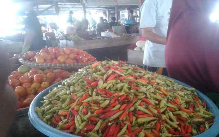 Harga sayur di Pasar Saik Kuala Pembuang mengalami kenaikan sampai 30 persen pascalebaran, Rabu 12 Juni 2019.