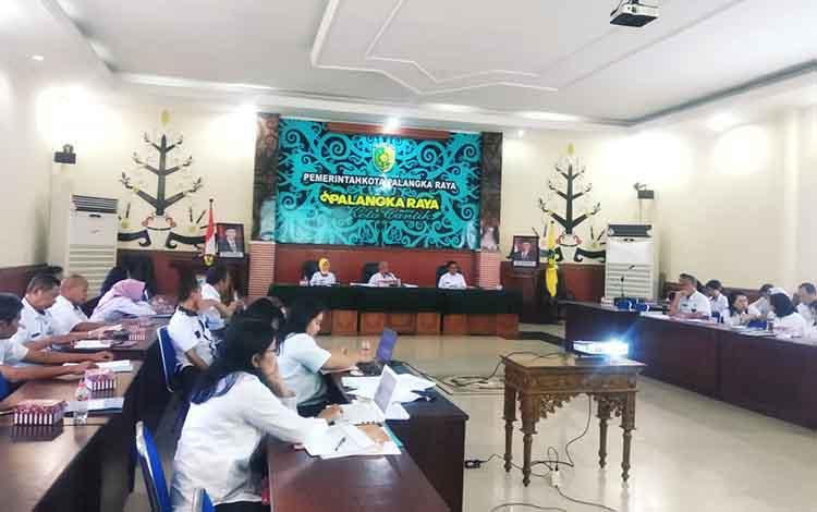 Kegiatan Rapat Tepra, di Aula Peteng Karuhei II Balai Kota Palangka Raya, Jalan Tjilik Riwut k