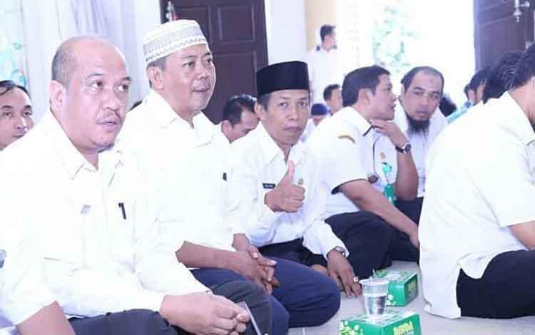 Sejumlah ASN di lingkup Pemkab Seruyan saat menghadiri kegiatan rutin siraman rohani