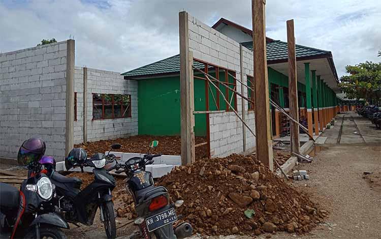 Bangunan ruang kelas baru di MAN 1 Murung Raya, Kamis, 13 Juni 2019