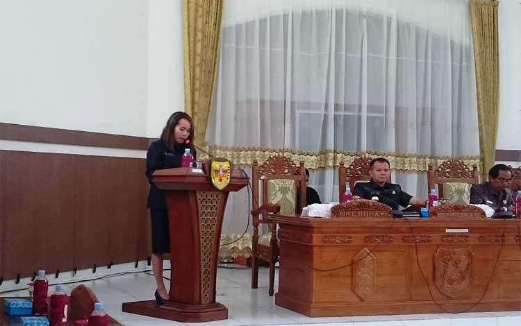 Jubir Fraksi PDIP DPRD Gunung Mas, Nomi Aprilia