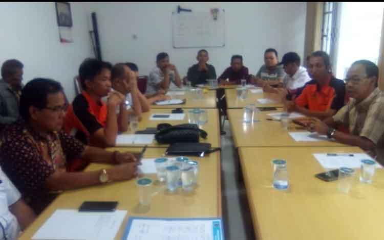 Rapat persiapan konferensi PWI Kalimantan Tengah pada Kamis 13 Juni kemarin