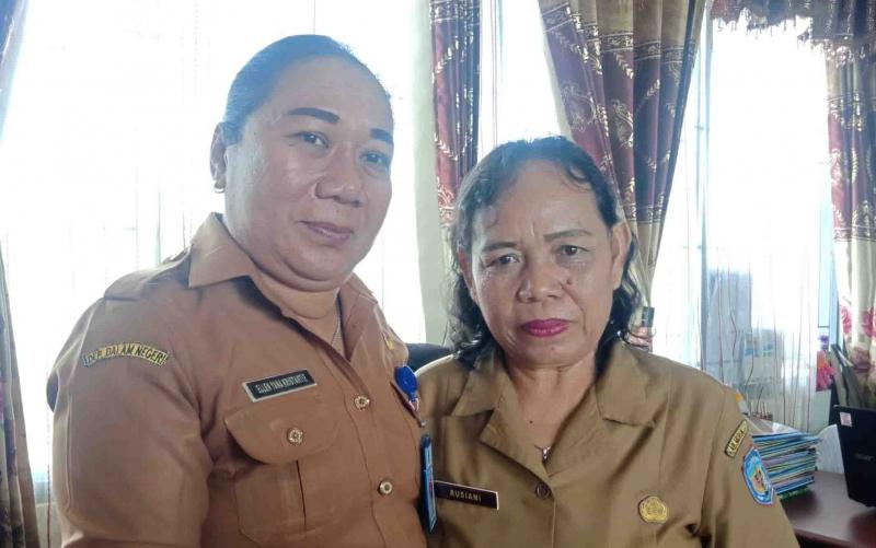 Kabid Rehabilitasi Sosial Dinsos Murung Raya, Ellen Yana (kiri).
