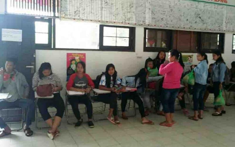 Suasana penerimaan peserta didik baru di SMAN 1 Sepang.