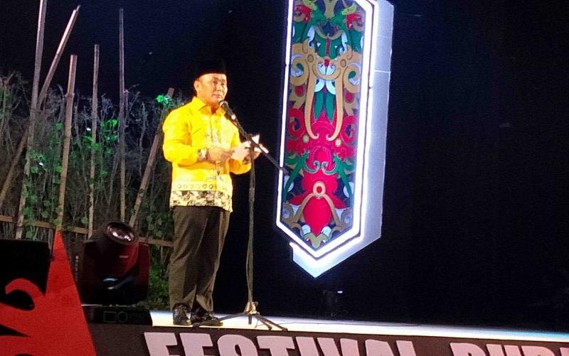 Gubernur Kalimantan Tengah, Sugianto Sabran saat pembukaan Festival Budaya Isen Mulang.