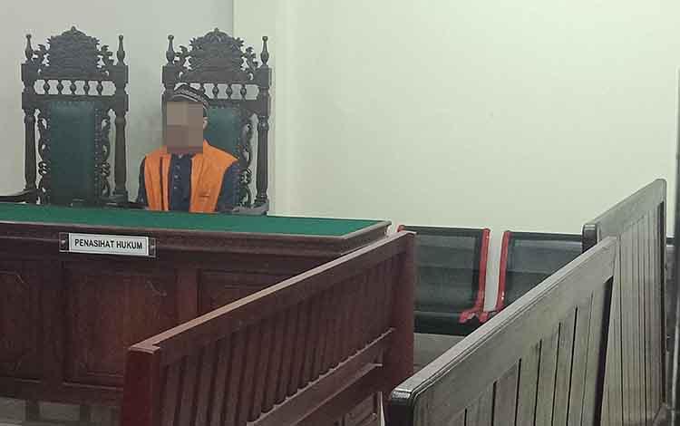 Said Muhammad Khatamie terdakwa narkoba saat jalani sidang di Pengadilam Negeri Sampit.