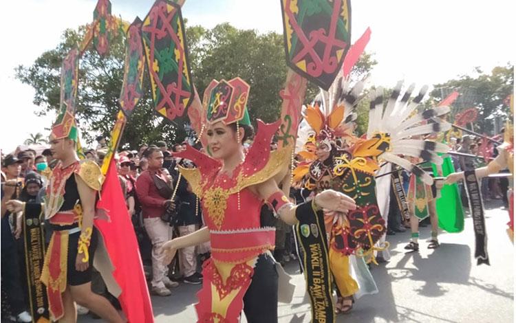 Karnaval Budaya Festival Budaya Isen Mulang di Palangka Raya, Selasa 18 Juni 2019. Sejak 2019 hingga 2019 ini banyak event budaya yang diadakan Pemprov Kalteng untuk memajukan kebudayaan dan pariwisata