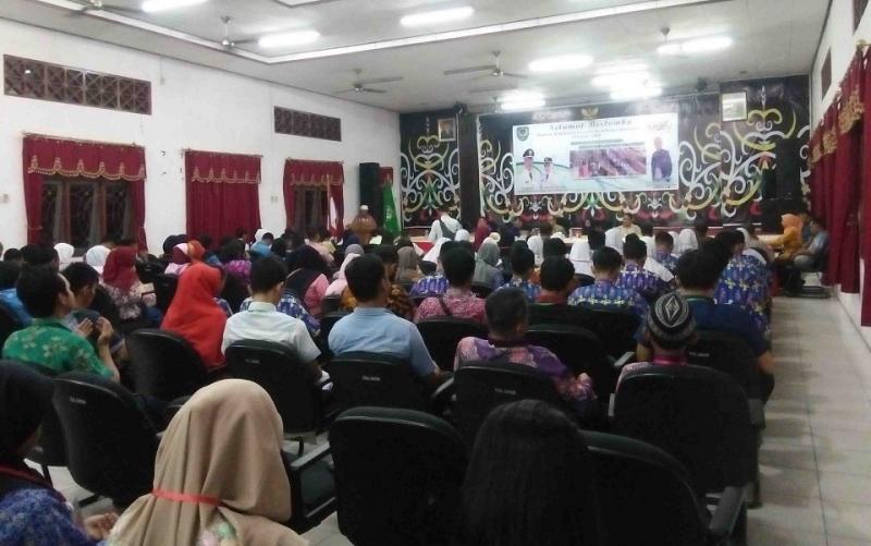 Pembukaan Festival dan Lomba Seni Siswa Nasional atau FLS2N tingkat SMP Kabupaten Seruyan.