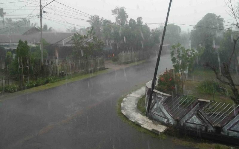 Hujan deras mengguyur Kuala Pembuang, Seruyan.