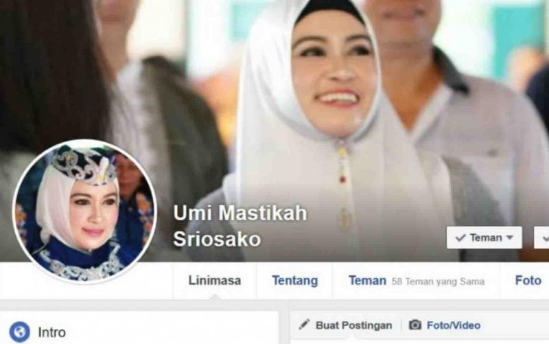 Tampilan akun palsu Umi Mastikah di Facebook.
