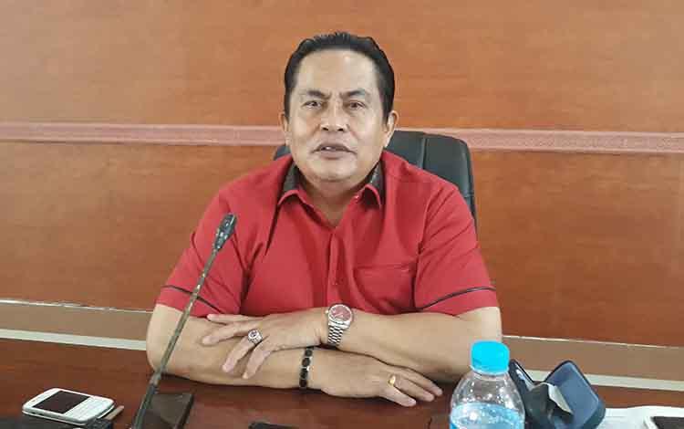 Wakil Ketua I DPRD Kapuas, Robert Linuh Gerung