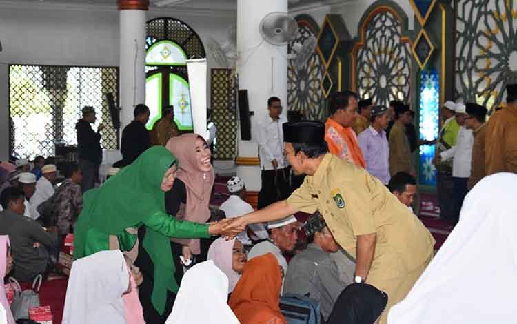 Manasik Haji di Masjid Agung Al Mukkaram Amanah Kuala Kapuas, Senin, 24 Juni 2019.