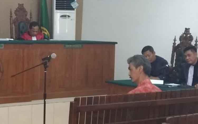 Ahli administrasi negara, Berna Sudjana Eryana yang dihadirkan oleh terdakwa Ahmad Yantenglie