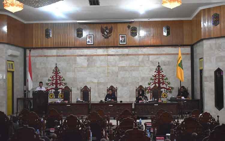 Suasana saat Rapat Paripurna ke-3 Masa Persidangan II di DPRD Kapuas pada Rabu, 26 Juni 2019.