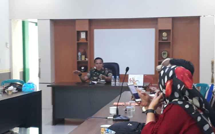 Pengarahan untuk wartawan terkait lomba karya tulis TMMD di Kotawaringin Barat, Kamis, 27 Juni 2019.