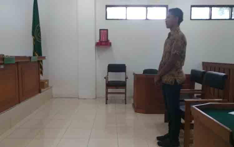 Ji saat menjalani sidang putusan di Pengadilan Negeri Palangka Raya.