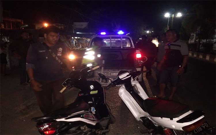 Anggota Satlantas Polres Kotawaringin Timur mengamankan motor para pelaku balap liar, Minggu, 7 Juli 2019