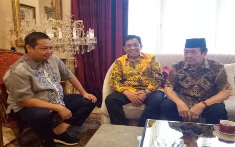 Taufik Mukri dan Supriadi silaturahmi dengan Ketua Umum Partai Golkar Erlangga Hartanto