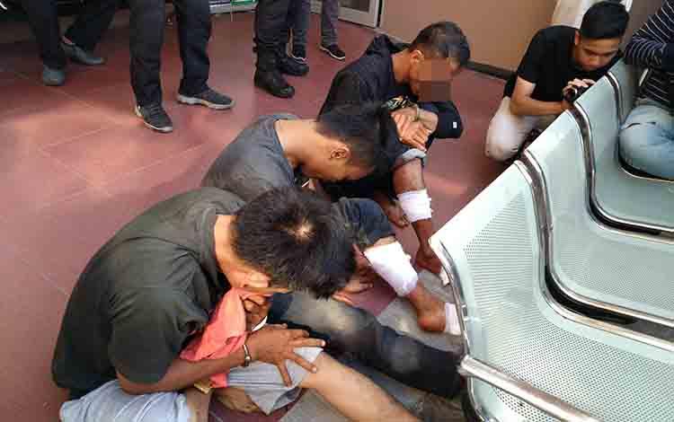Tiga tersangka pencurian modus pecah kaca mobil yang diamankan Polres Palangka Raya, Senin, 8 Juli 2019.