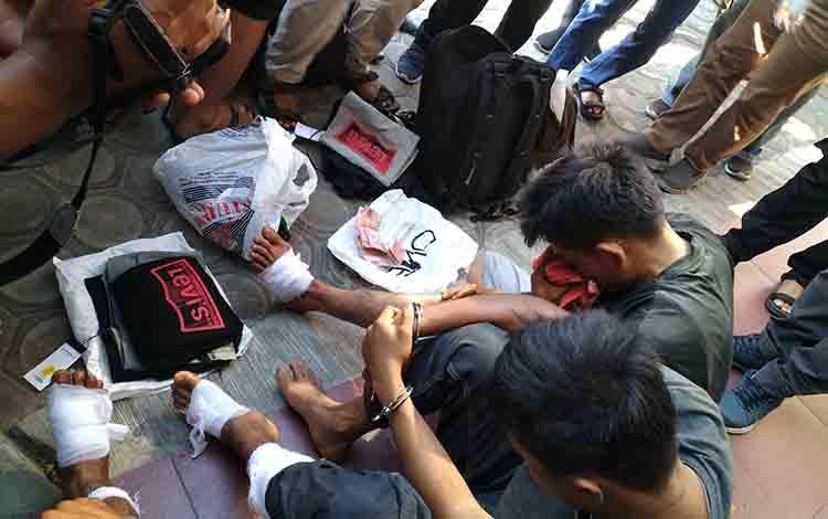 Barang bukti kasus pencurian pecah kaca mobil di Palangka Raya.