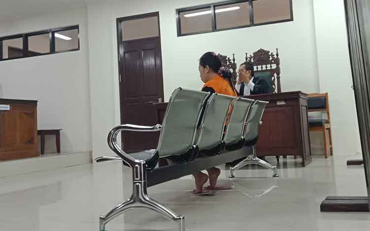 NH alias Nur terdakwa kasus sabu jalani sidang di Pengadilan Negeri Sampit.