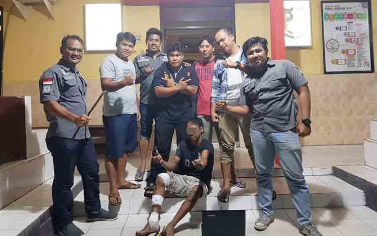UP setelah dibawa polisi di Polres Kobar