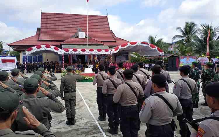 Upacara pringatan HUT Bhayangkara ke 73 di kecamatan Lahei, Rabu 10 Juli 2019