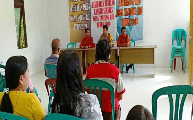 Bhabinkamtibmas Polsek Kurun Brigpol Bedi sosialisasi Karhutla di Desa Tanjung Riu