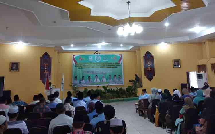 Kegiatan penataran guru di aula Asrama Haji Al-Mabrur Palangka Raya, Jumat, 12 Juli 2019.