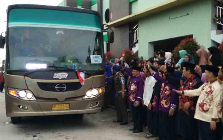 Pemerintahan Kotawaringin Timur bersama para keluarga jemaah haji pada 2018 lalu.