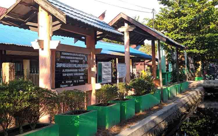 SMPN 8 Palangka Raya, Jalan Temanggung Tilung Kelurahan Menteng