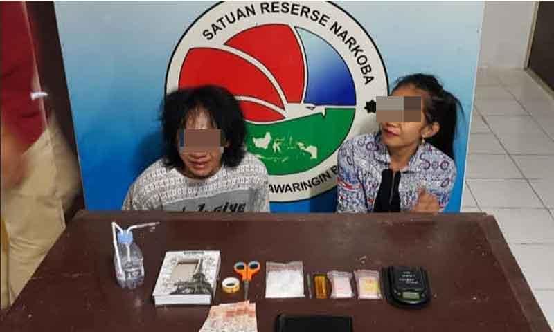 Pasangan kekasih yang ditangkap lantaran diduga pengedar sabu