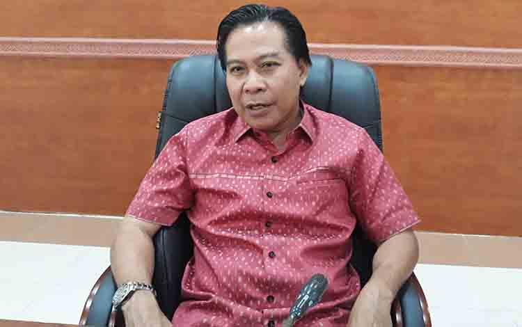 Ketua DPRD Kapuas Algrin Gasan